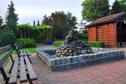 EDEN Sanatorium Uzdrowiskowe<BR> OŚRODEK LECZNICZO-REHABILITACYJNY PZN - Mini tężnia znajdująca się w ogrodzie SANATORIUM EDEN - sanatoria.org