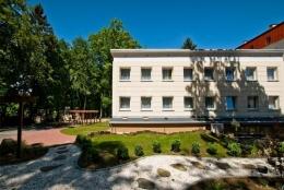 Zak�ad lecznictwa uzdrowiskowego GRYF UZDROWISKO PO�CZYN S.A. - Budynek SPA Zdrojowe Zacisze - sanatoria.org